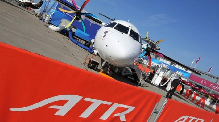 atr 72, turboprop, paris air show