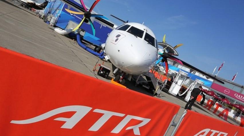 atr 72, turboprop, paris air show