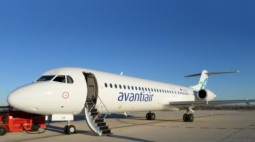 Avanti Air Fokker 100