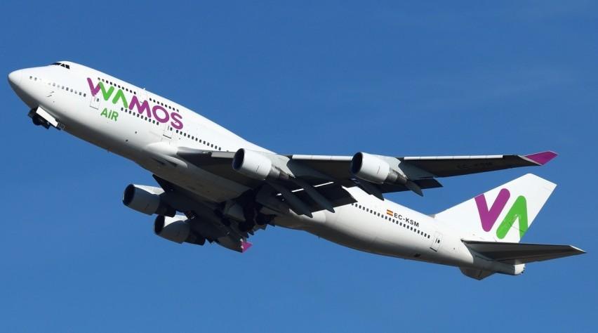Wamos Air Boeing 747