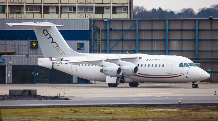 Cityjet stopt met vluchten van rotterdam naar london city for Jet car rotterdam