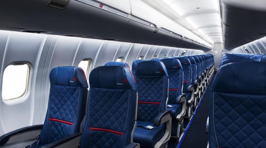 Delta CRJ cabine