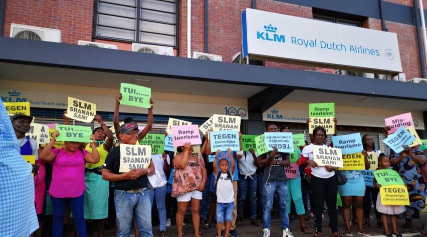 Demonstratie tegen TUI en KLM