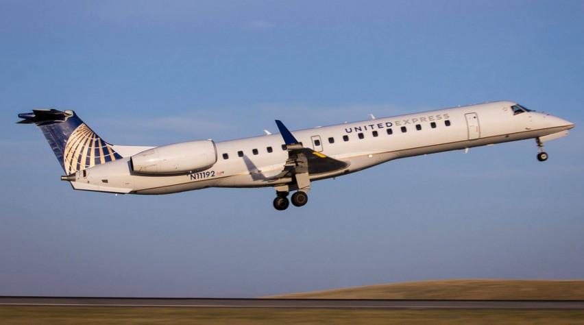 ExpressJet Embraer 145