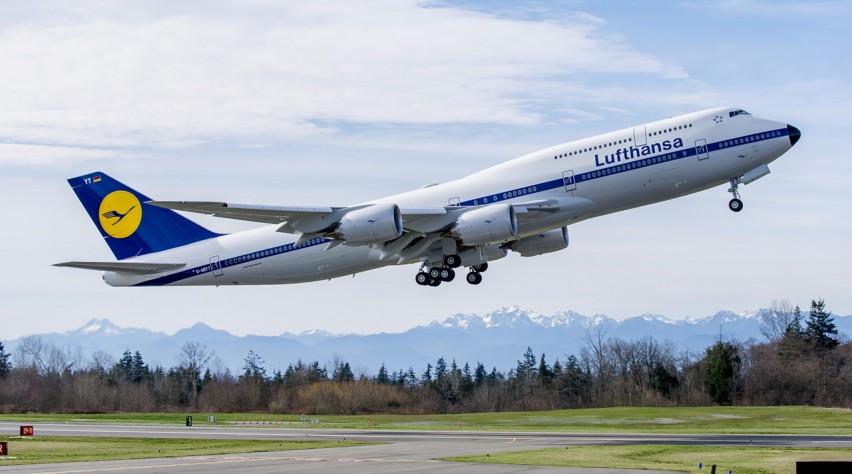 Lufthansa retro 747