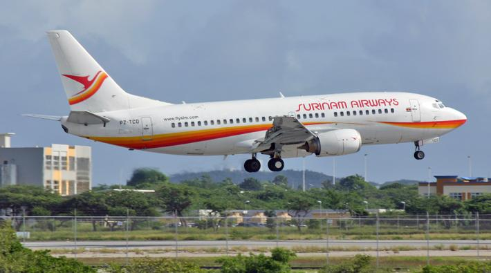 Surinam Airways Boeing 737-300