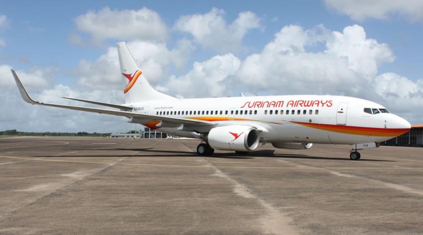 Surinam Airways Boeing 737-700