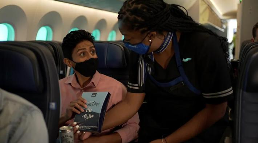 United Airlines cabin crew