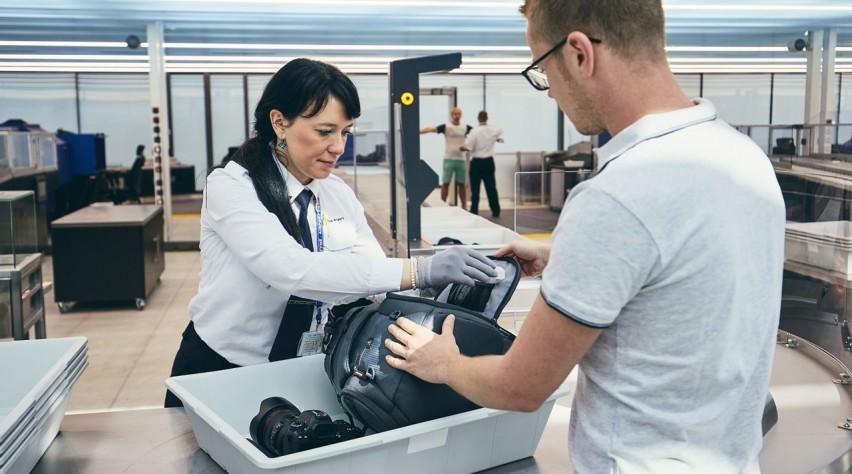 Praag Airport security