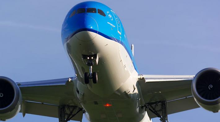 KLM Boeing 787 front