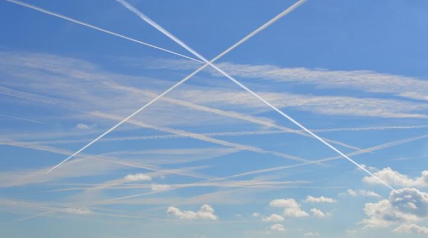 vliegtuigstrepen, contrails