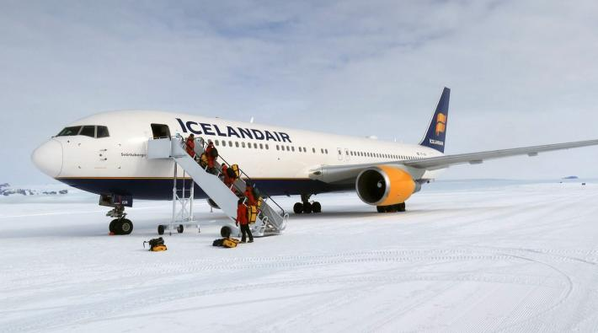 Icelandair 767 Antarctica