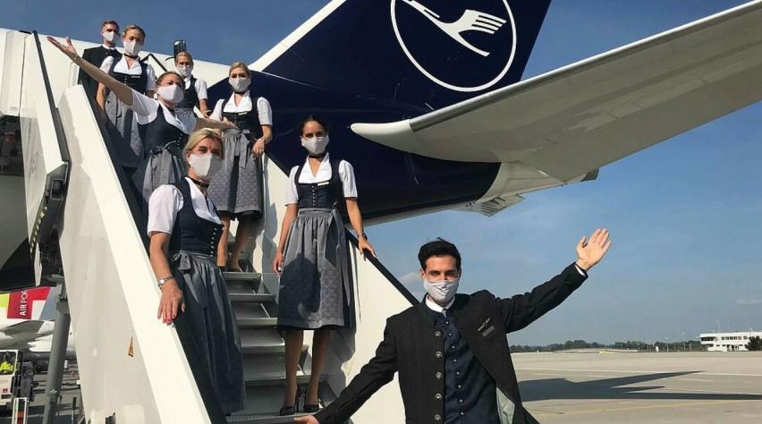 Lufthansa Oktoberfest Crew