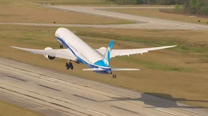 boeing 787-10, first flight