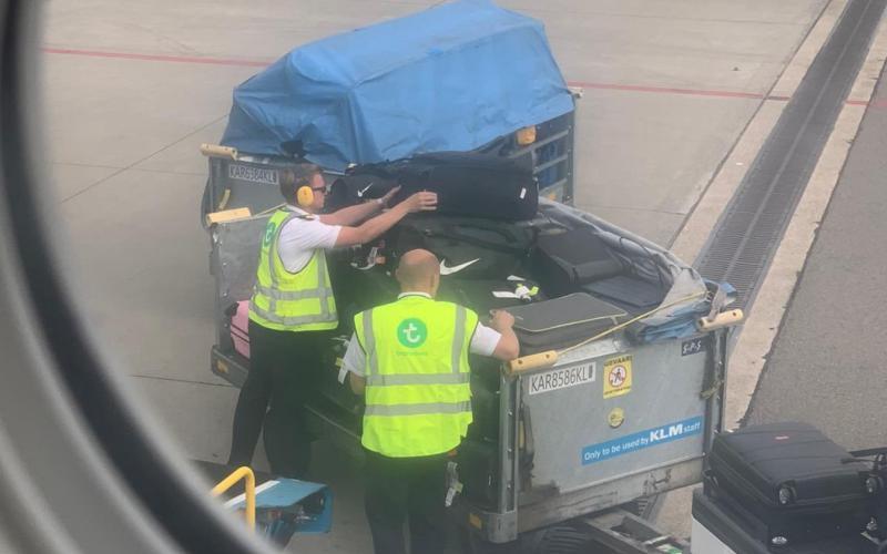 Transavia Piloten Handbagage