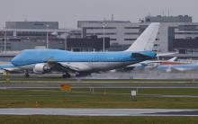 PH-BFW 747