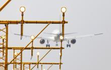 Schiphol landing Airbus