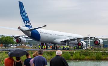 Airbus A340-600 verhuizing naar Aeroscopia