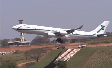 Airbus A340 Air X op Viracopos