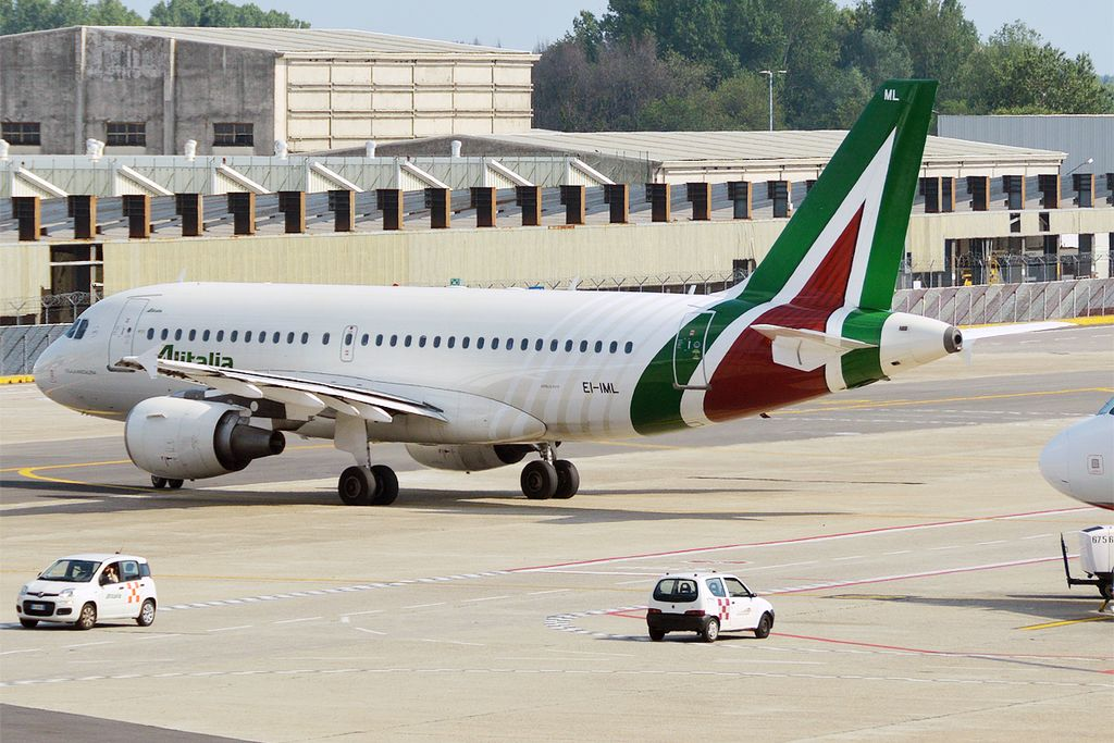 Alitalia A319 op Linate