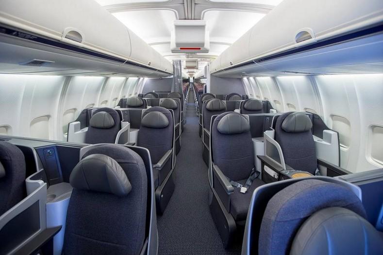 Nieuw interieur voor boeing 757 39 s van american airlines for Interieur boeing 757