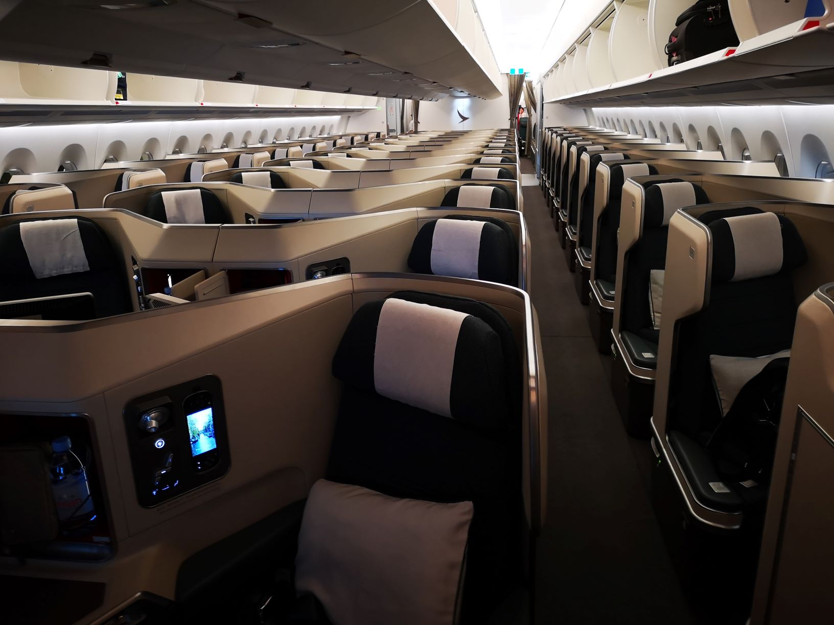 Cathay A350-1000 Business