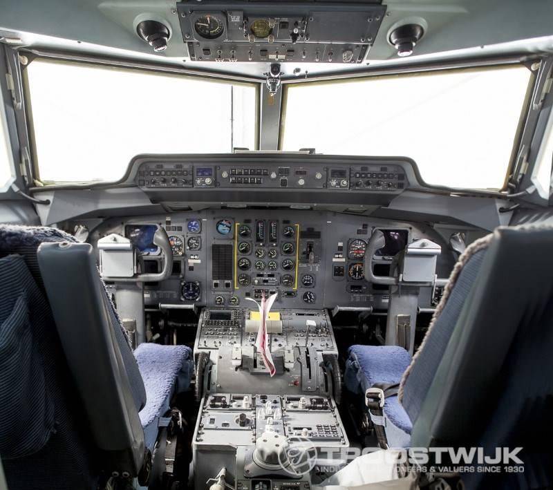 Cockpit Fokker 50