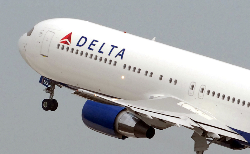 information systems on delta airlines Atlanta - atlanta-based delta air lines has restored its it system after an outage caused a groundstop nation-wide the company responded to a slew of messages from angry customers on the social.