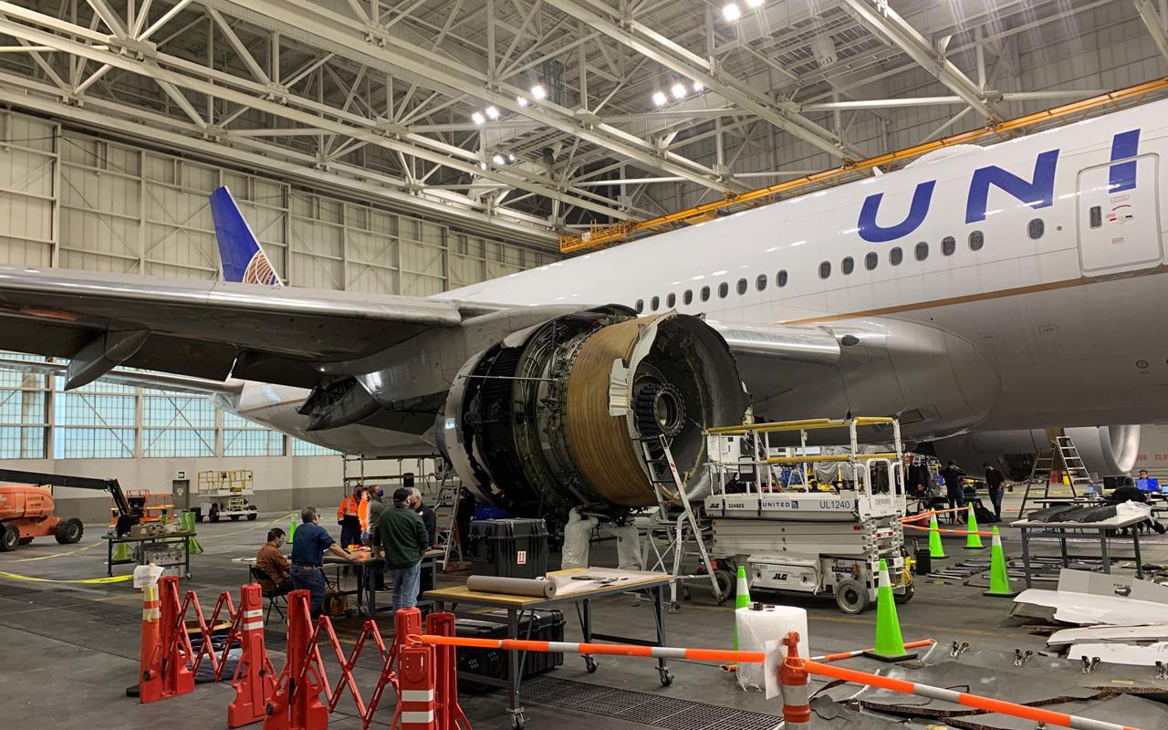 NTSB toont beelden van schade aan gehavende United Boeing 777 - Luchtvaartnieuws.nl