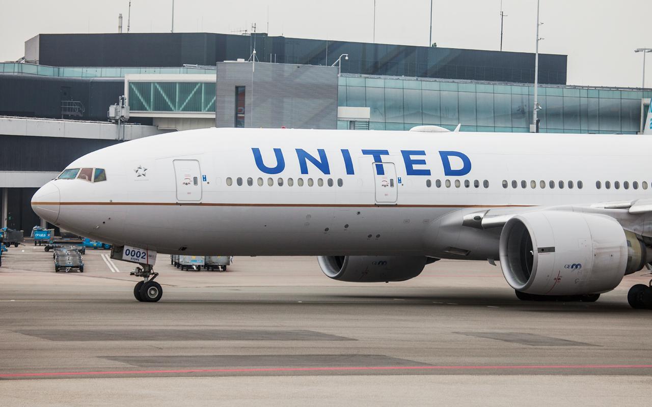 United Airlines Boeing 777-200ER