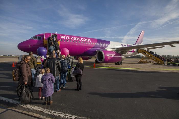 Wizz Air tijdens sluiting Eindhoven Airport vanaf Maastricht ...