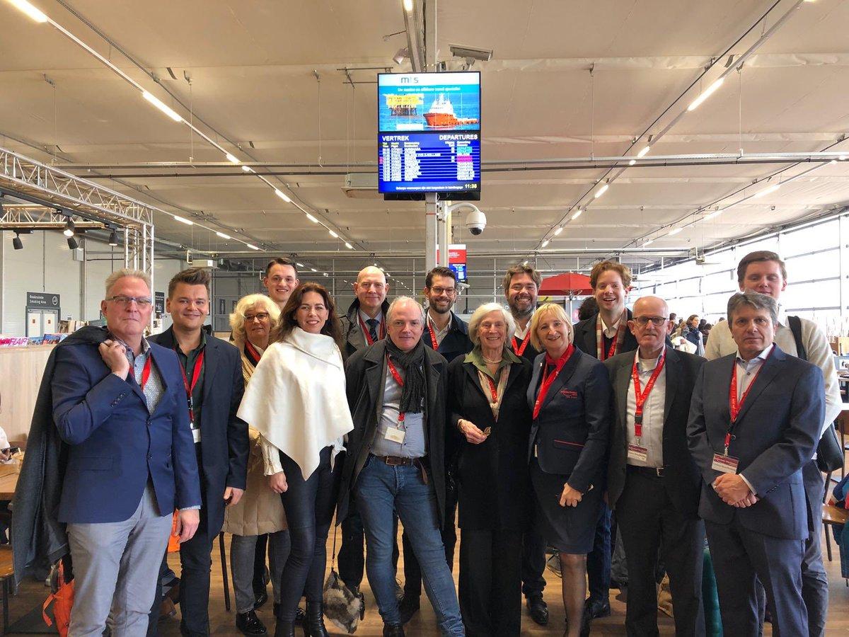 VVD-delegatie op bezoek bij Rotterdam Airport