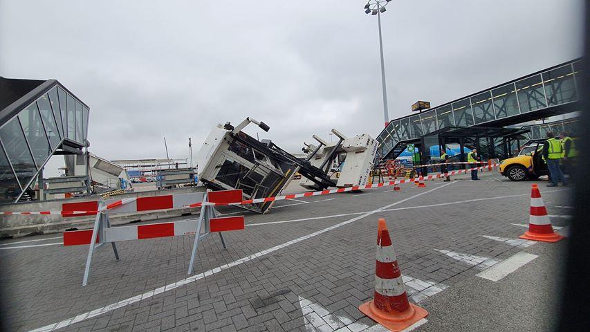 https://www.luchtvaartnieuws.nl/sites/default/files/website_633x300/slider-schiphol/ambuliftcjordy-1200.jpg